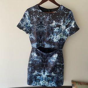 NWOT LF Tight Shift Dress with Cut Out Tummy